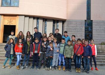 Bilaj, Albania: Młodziankowe świętowanie