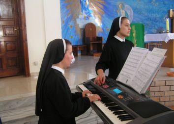 Albania/Jubica: Msza prymicyjna ks. Andrzeja Wacławka 2011